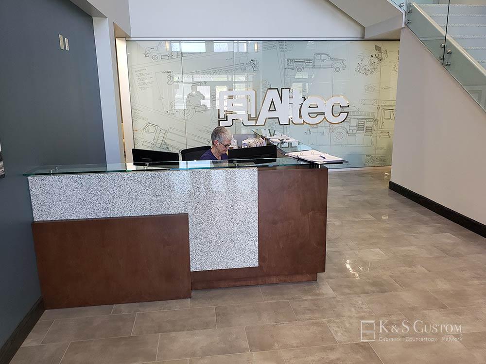 Altec Welcome Desk